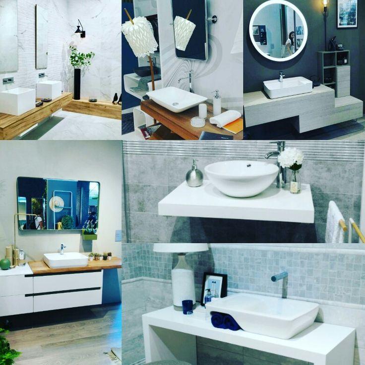 Stile minimal, accostamento legno-bianco opaco, lavabi tutto fuori ceramica e ritorno della specchiera tonda: alcuni scatti delle novità bagno presentate a Cersaie 2016 - Bologna
