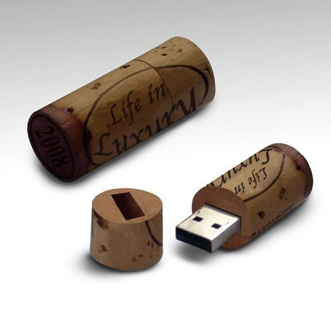 #Finally, the #USB Memory Stick for the #wine lover in the family has arrived: Wine Stopper USB