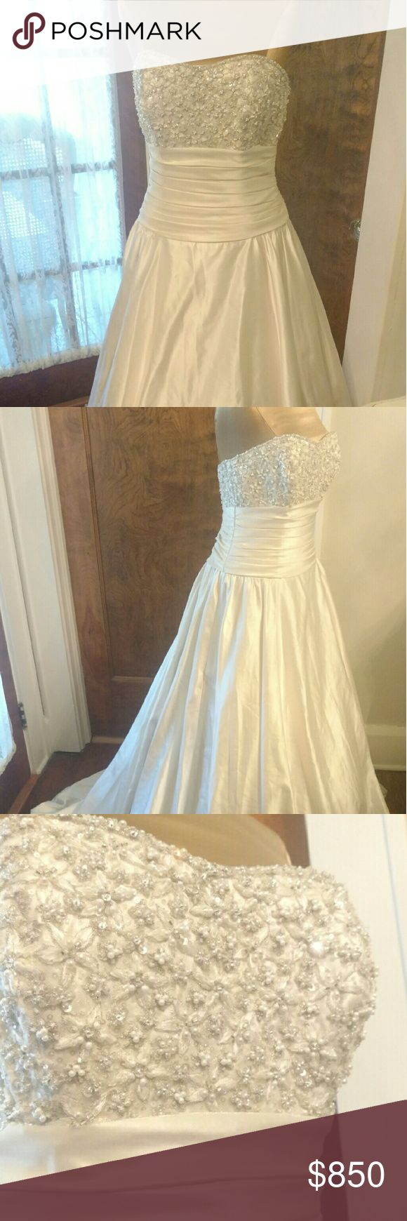 Allure Couture Wedding Gown Gorgeous size 10 Allure Couture wedding gown Dresses Wedding