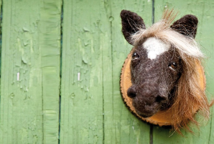 Maude- The Good Old lady Horse from FeltFactory
