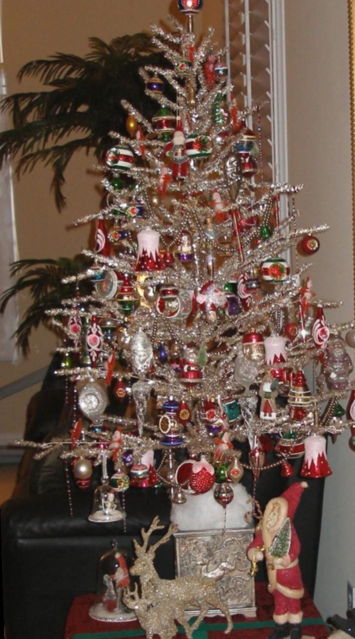 6 Christmas Tree Vintage Silver In 2020 Tinsel Christmas Tree Silver Christmas Tree Vintage Vintage Christmas Tree