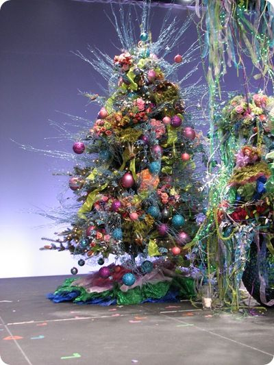 101 best Christmas Holiday Decor images on Pinterest Merry - outdoor christmas decorations wholesale