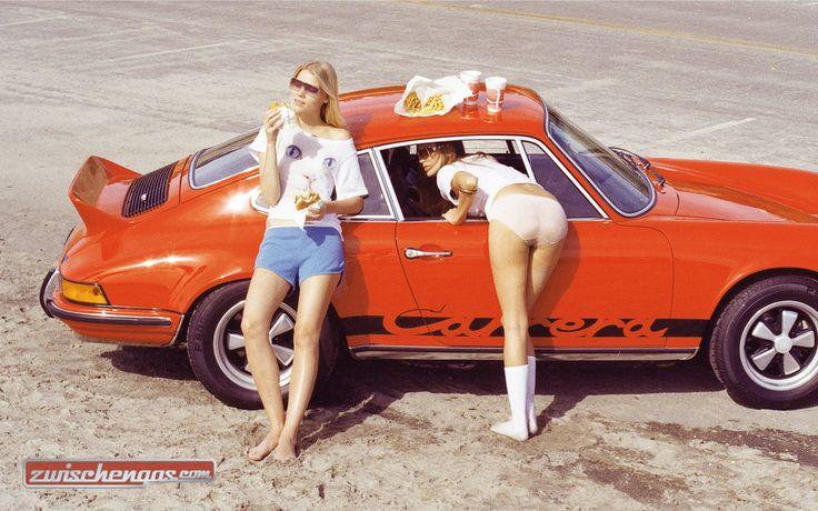 Entenbürzel mit Fast Food © Henrik Purienne #Porsche911Carrera #Entenbürzel #Porsche #Carrera #Porsche911 #zwischengas #classiccar #classiccars #oldtimer #auto #car #cars #vintage #retro