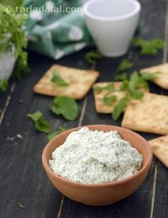 When this Creamy Coriander and Mint Dip meets your taste buds, you will experience a real surge of culinary excitement! Indeed, this luscious dip made with hung curds and herbs is a real tongue-tickler.