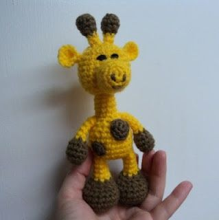 Little Bigfoot Giraffe. Free crochet pattern on blog. Click picture!