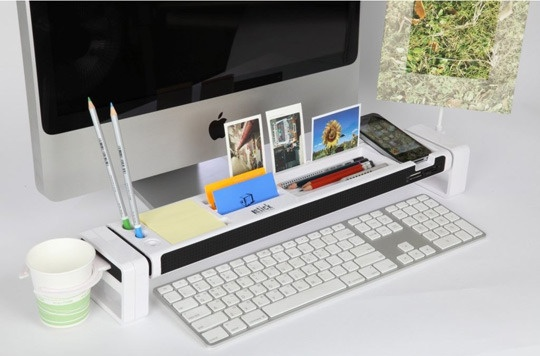 Turn your desk into a Command Station, via @Apartment Therapy