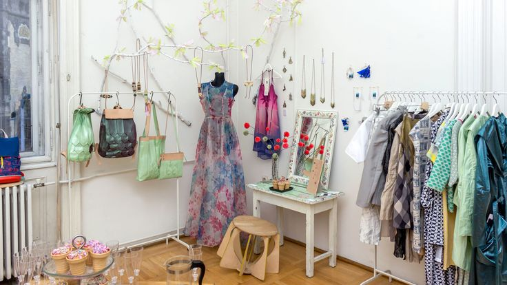 Pop-up store: bags by Twofold Concept, dresses by Daige and ESZKA, designer chair by Melinda Molnaar   http://www.budapestwithus.hu/heinrick-pop-up/