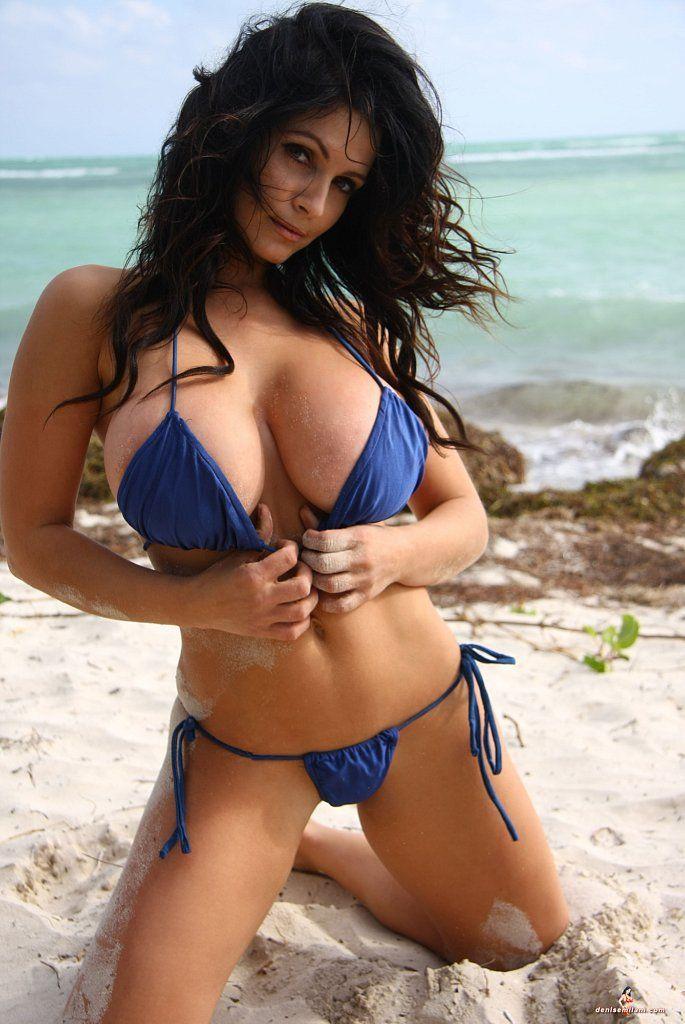Dominican women in the nude