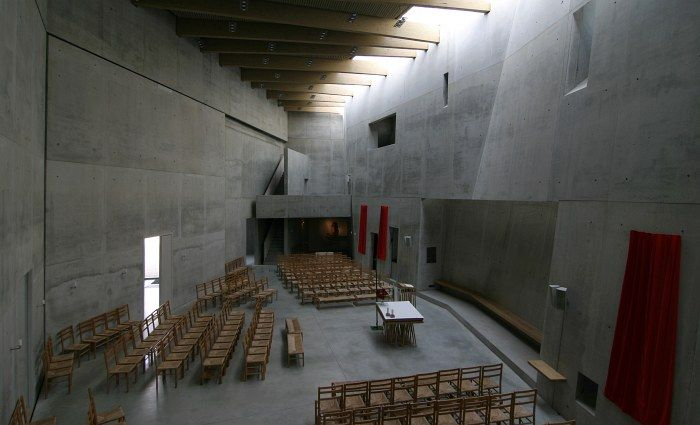 Sacred space contemporary sacred architecture susanne for Interior design freiburg