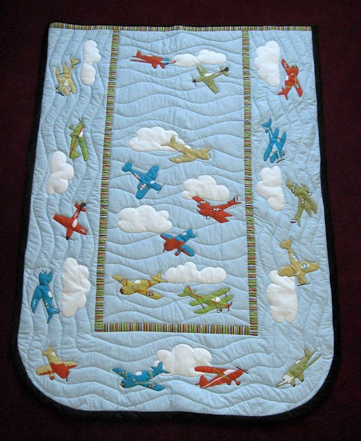 Airplaine Quilt-Really like the old plane, trains, automobiles type feel for baby boys