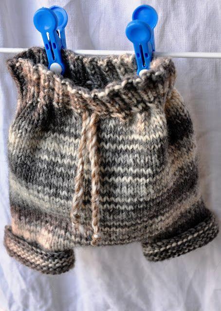 Down in the street below: Culotte en laine au tricot, indispensable pour les bébés et idéal pour les couches lavables