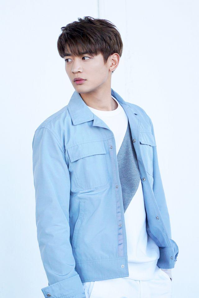 {SNS} 170215 Minho - Official SHINee Vyrl Update