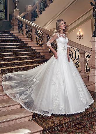 175 best Brautkleider - Träume in weiß - images on Pinterest ...