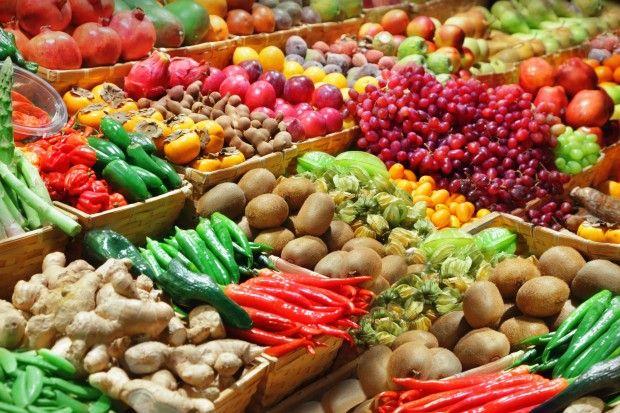 Aprenda a ler rótulos e imprima essa lista de alimentos sem glúten e outra de alimentos com glúten. Leve-as com você e em breve você as terá memorizado.