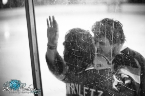 Ice hockey engagement picture...pretty sure Matt would LOVE this!