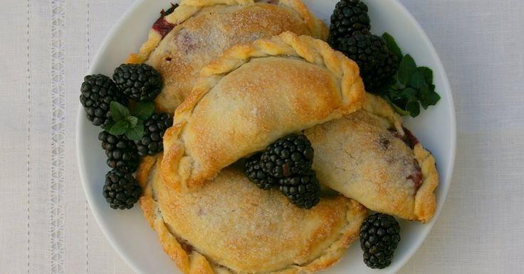 Gourmet Girl: Blackberry Hand Pies