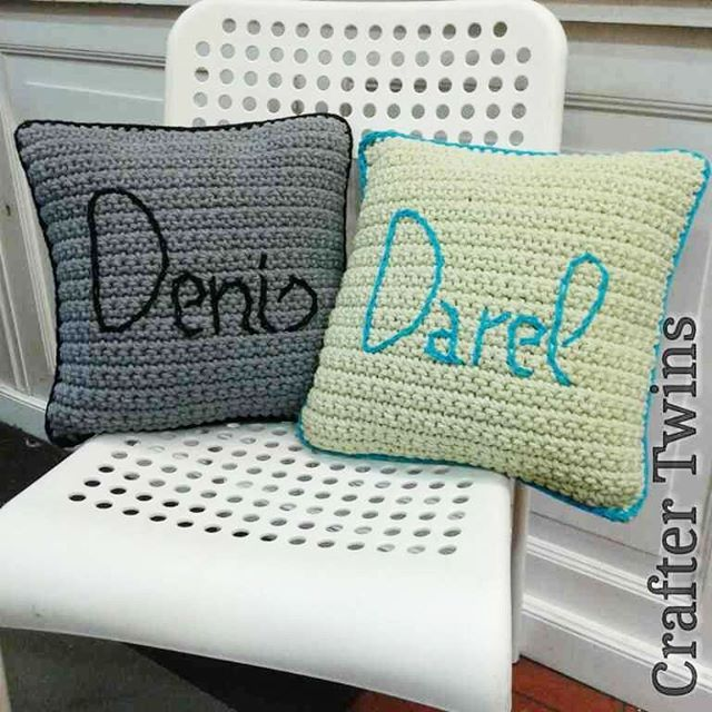 Crochet cushions for my sons... finished!!!  In their favorite colors, Today I'll have extra hugs!!   #craftertwins #craftingstories #handmade #handmadebarcelona #fetama #hechoamano #craft #diy #crochetworld #crochet #ilovecrochet #ganchillo #ganxet #instacrochet #cosasbonitas #crochetdesign #crochetdecor #tejermola #crochetpillow #crochetcushion