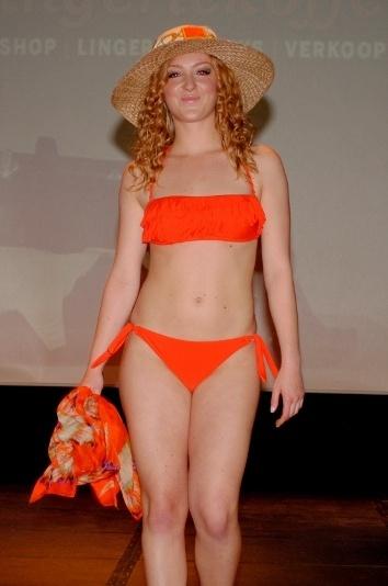Oranje bikini met franjes