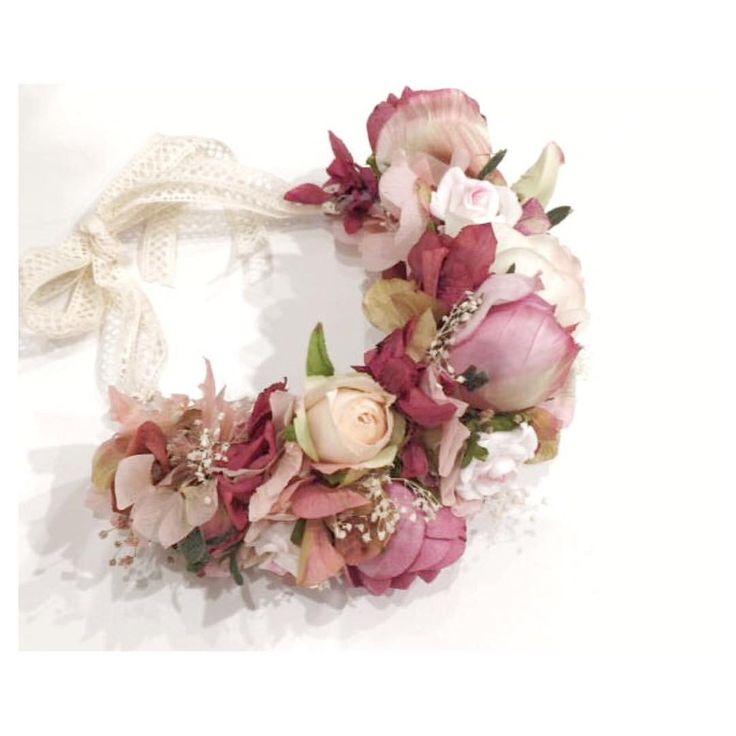 Baby flower crown! Maxi corona de flores para una bebé de 3 meses ♡ Nos encanta!!