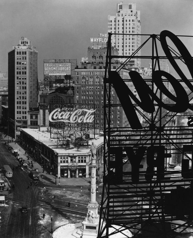 Columbus Circle, Manhattan, 1938. Photo: Berenice Abbott.