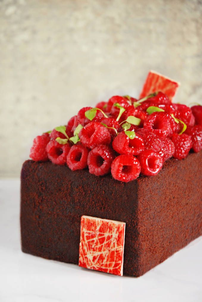 Sinful dark chocolate devil's food cake with raspberries. Click for the AMAZING recipe! @Ilan