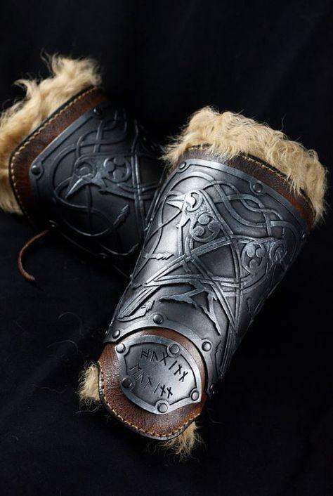 Viking leather bracers Odin ravens themed por CamaradelAlquimista, larp safe armor vambraces