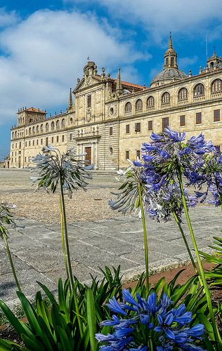 Colegio de Nuestra Señora de la Antigua en Monforte de Lemos Galicia España  Flickr - Photo Sharing!