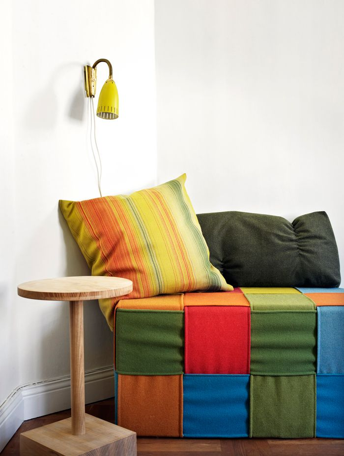 woven daybed cover (vardagsrum-färg-sittpuff-foto-Patric-Johansson)
