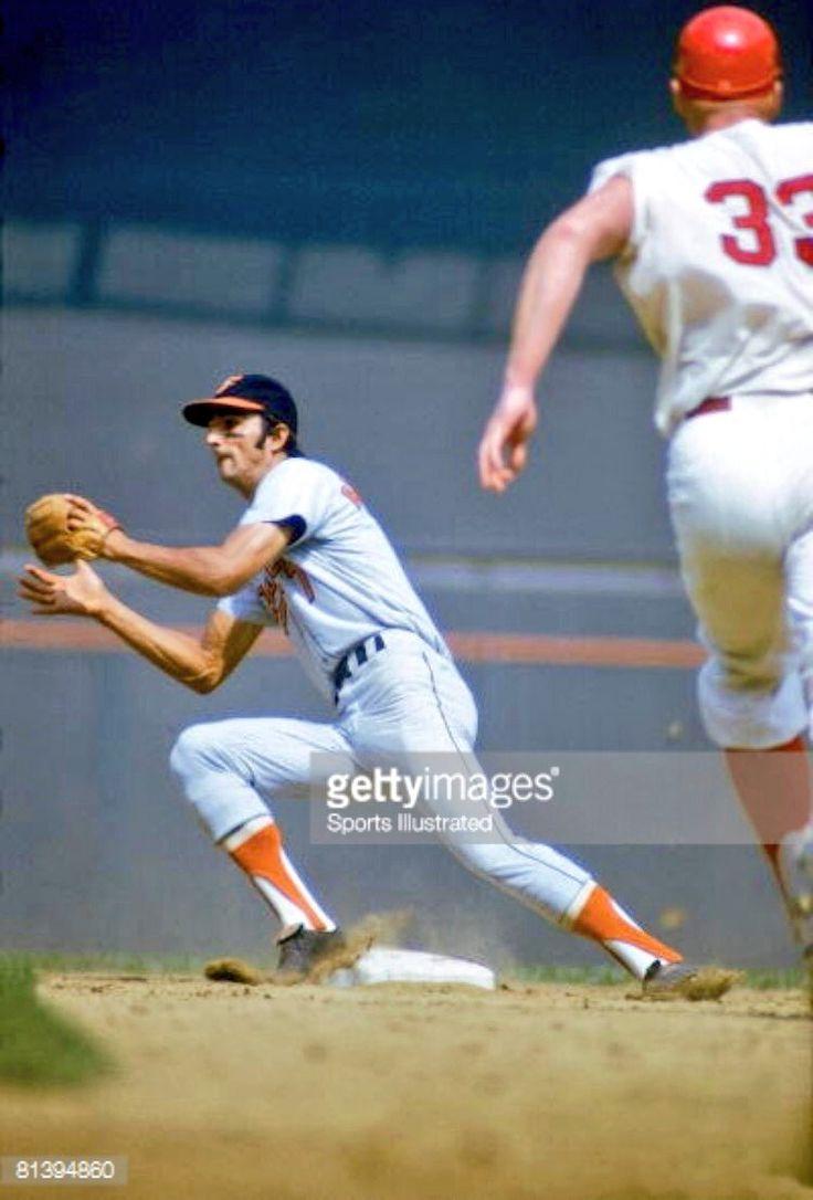One of the finest defensive SS ever: Mark Belanger w/ massive Frank Howard…
