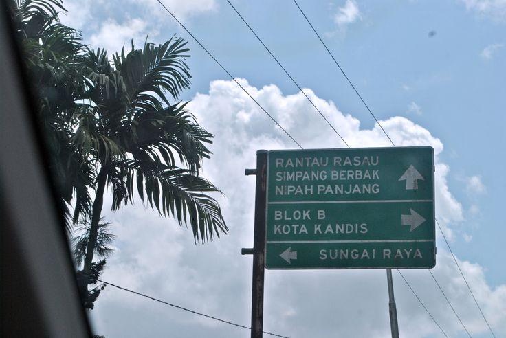 https://flic.kr/p/E9PiPd | Plang arah pejalanan | otewe Pulau Berhala.
