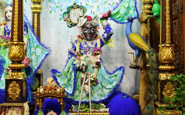To view Gopal Wallpaper of ISKCON Chowpatty in difference sizes visit - http://harekrishnawallpapers.com/sri-gopal-wallpaper-012/