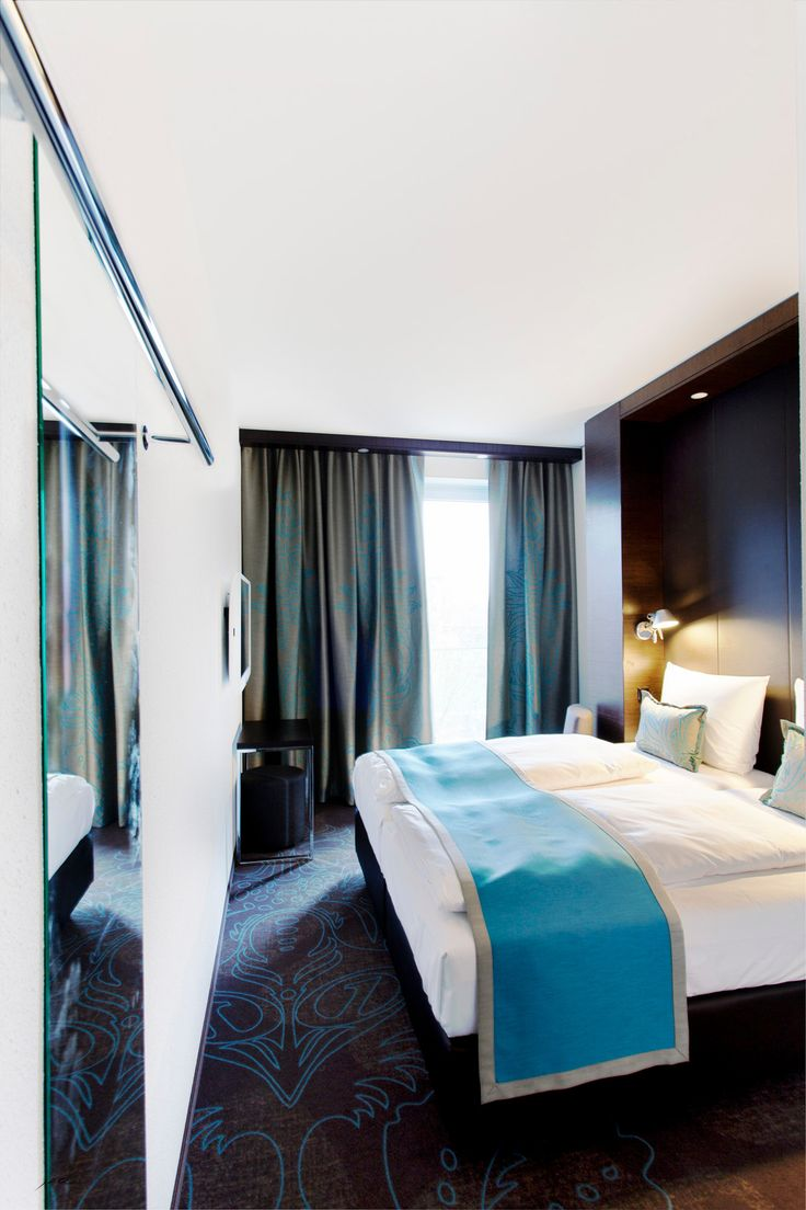 http://jeanschwarz.de/categories/architektur-amp-interieur  +motelone #hotel #photography #magdeburg #germany