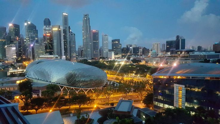 Good #Morning 06.47am - The sun is up.. and i always wake-up earlier.. at the 1st day another's place's.. best time drink black coffee.. and planning.. #merlionpark and #esplanade north view from.. #marina #square #singapore  #building #buildings #architecture #landscape #road