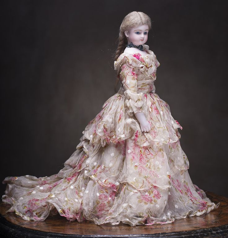"Superb Antique Silk Dress for French Fashion Jumeau Bru Rohmer Huret doll about 14-15"" Antique dolls at Respectfulbear.com"