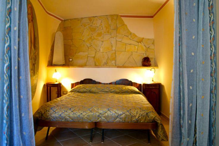 Camera da letto doppia. Calda ed elegante.