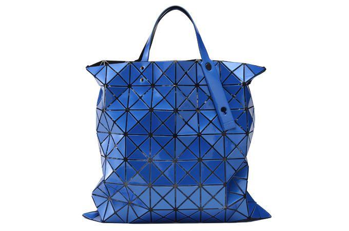 Esci dal branco con una borsa eccentrica, unica e irripetibile.  Bao Bao Issey Miyake (€ 430)