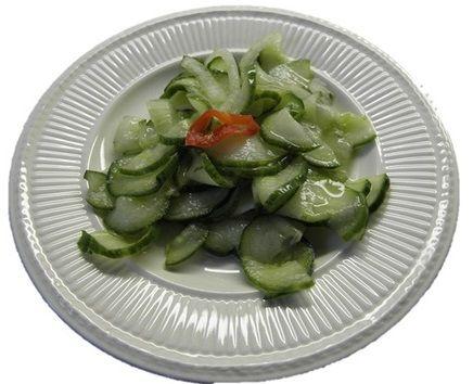 Atjar Ketimoen of pittige zoetzure komkommer