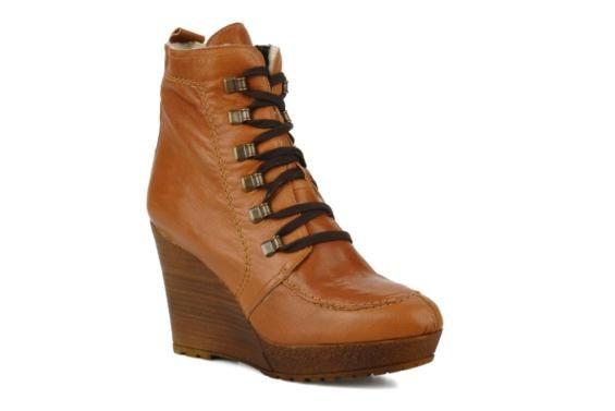 Carvela Sasha Ankle boots 3/4 view