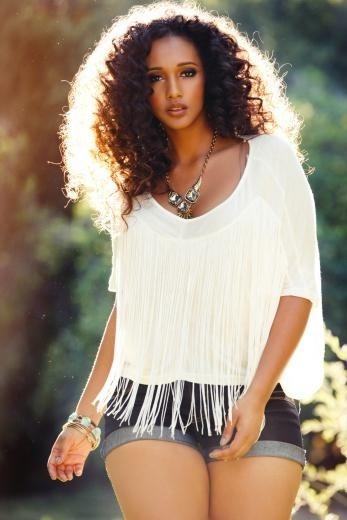 gorgeous hair, gorgeous face, gorgeous body!! <3 #thick #beautiful #naturalista