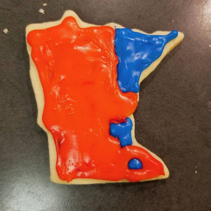 Mn 2016 election map #infographic. Aka the most depressing sugar cookie you'll every see.