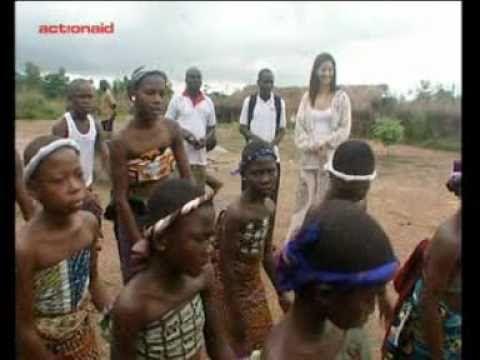Στη Γκάνα με την Κατερίνα Λέχου και τη Ναταλία Δραγούμη – Vicky Markolefa