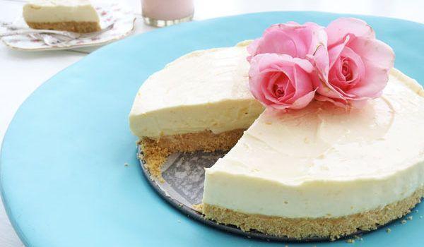 Πανεύκολο cheesecake με ζαχαρούχο γάλα και άρωμα λεμονιού