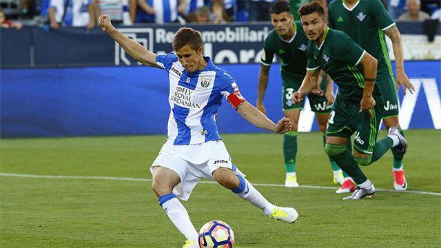 Ver los goles del Leganés - Betis (4-0) | Vídeo http://www.sport.es/es/noticias/laliga/vea-los-goles-del-leganes-betis-6025117?utm_source=rss-noticias&utm_medium=feed&utm_campaign=laliga