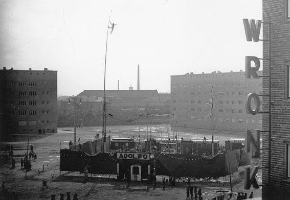 Meßplatz in der Westendsiedlung mit Zirkus Adolfo, 1930er