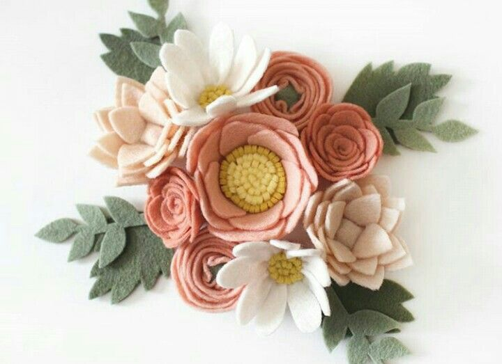 Love these colors- sage/peach/cream #Feltflowers