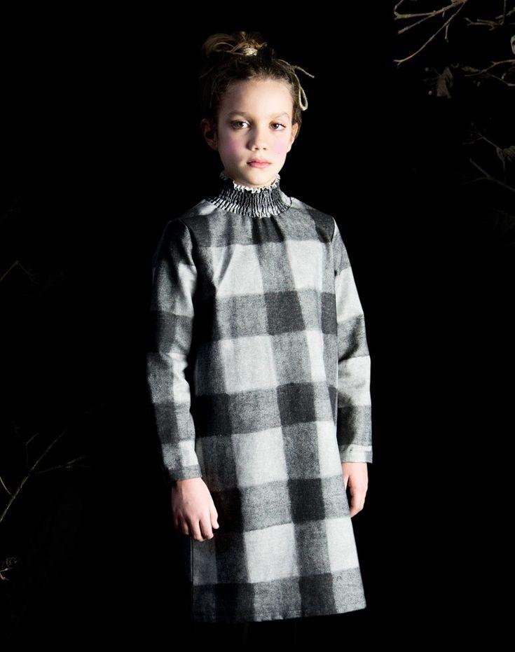 Rebecca indossa • abito THELMA DRESS scozzese grigio • http://www.cuculab.it/it/bambino/shop/abiti-1-1-1-1/thelma-dress/thelma-dress-scozzese-grigio.html • www.cuculab.it •