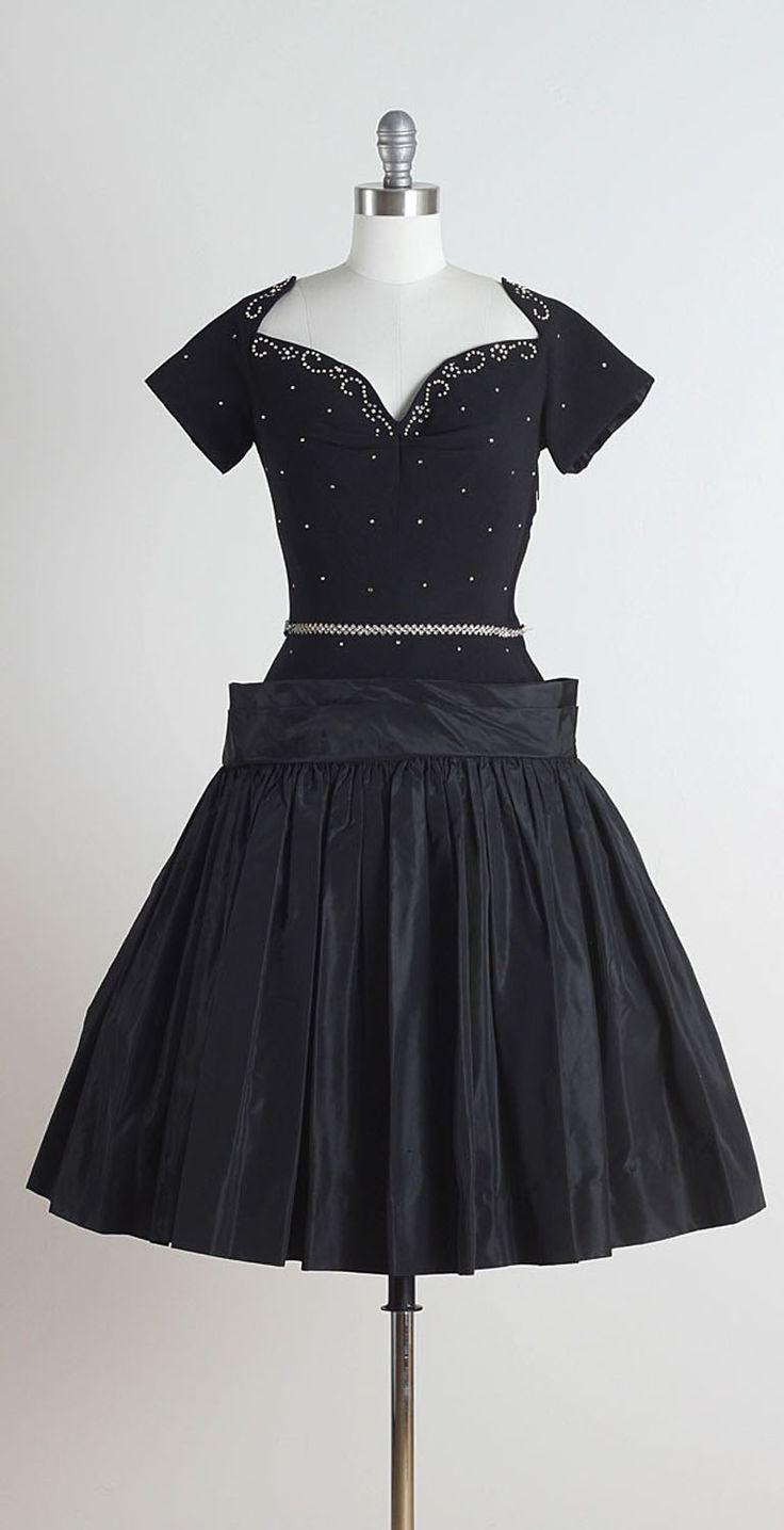 2477 best Vintage Dresses images on Pinterest | Fashion vintage ...
