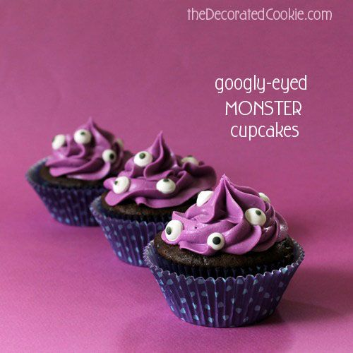 easy monster cupcakes for Halloween: Holiday, Eyed Cupcakes, Googly Eyes, Easy Halloween Cupcakes Ideas, Eye Cupcakes, Monster Cupcakes, Monsters, Cupcakes Halloween, Eyes Cupcakes