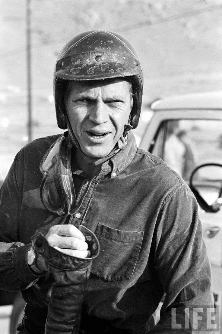 Home gt steve mcqueen porsche paintings - Steve Mcqueen During 500 Mi Motorbike Race Across Mojave Desert 1963