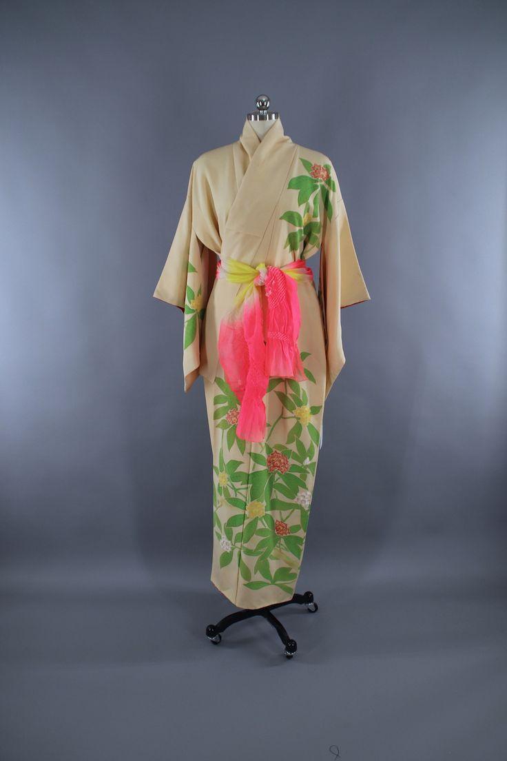 1960s Vintage Silk Kimono Robe / Ivory Pink Floral  #vintage #shopvintage